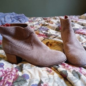 Dolce vita booties genuine suede size 8.5